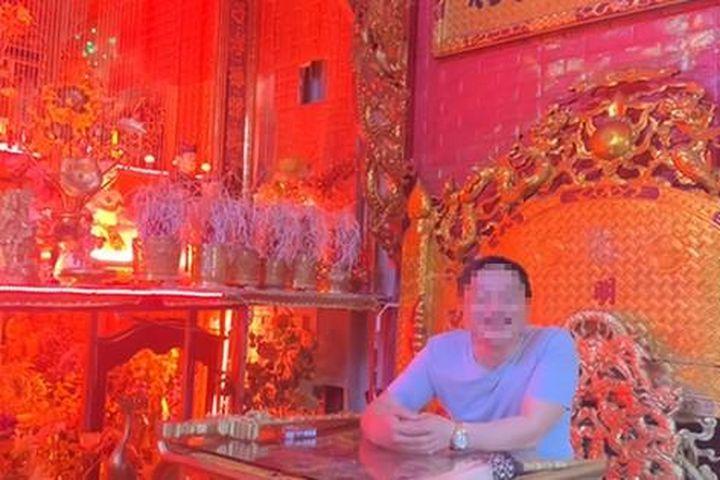 Người xưng 'Ngọc hoàng đại đế' trấn yểm Covid-19 từ TP HCM về Hà Nội bị cách ly, xử lý - Báo Người Lao Động