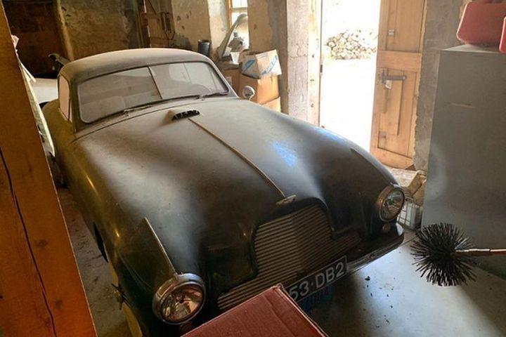 Aston Martin DB2 1953 cũ kỹ, 'bỏ xó' không dùng bán 3,8 tỷ đồng - Báo Tri Thức & Cuộc Sống