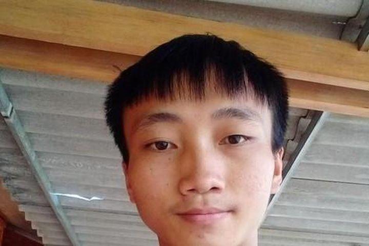 Học trò mồ côi người Mông đỗ Đại học Y Hà Nội - Báo Tiền Phong