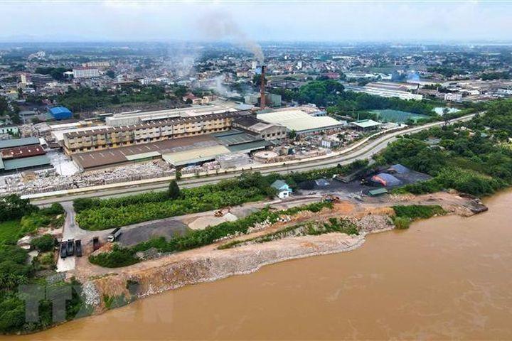 Những quy định được cho 'làm tăng gánh nặng, chi phí' về môi trường - Báo VietnamPlus