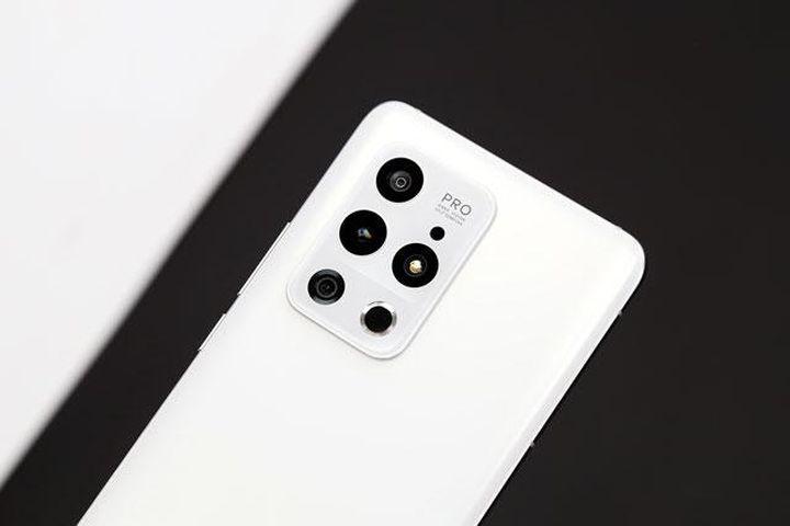 Smartphone chống nước, cấu hình mạnh bậc nhất thế giới, giá hơn 16 triệu đồng - Doanh Nghiệp Việt Nam