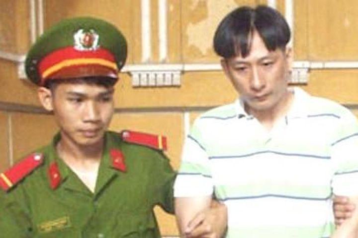 Án tử hình cho 2 gã 'trăng hoa' - Công An TP.HCM