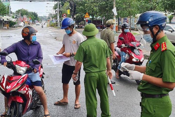 Đồng Nai cho mở lại nhiều hoạt động dịch vụ, người dân đi đường không cần giấy - Báo Pháp Luật TP.HCM
