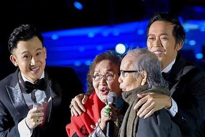 Nghệ sĩ Việt gửi lời chia buồn khi bố Hoài Linh, Dương Triệu Vũ qua đời - Báo Tiền Phong