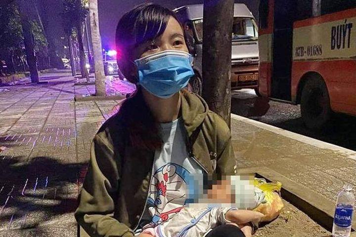 Trải lòng của người mẹ mới sinh con 15 ngày vượt xe máy 1.300 km về quê - Báo VietnamNet