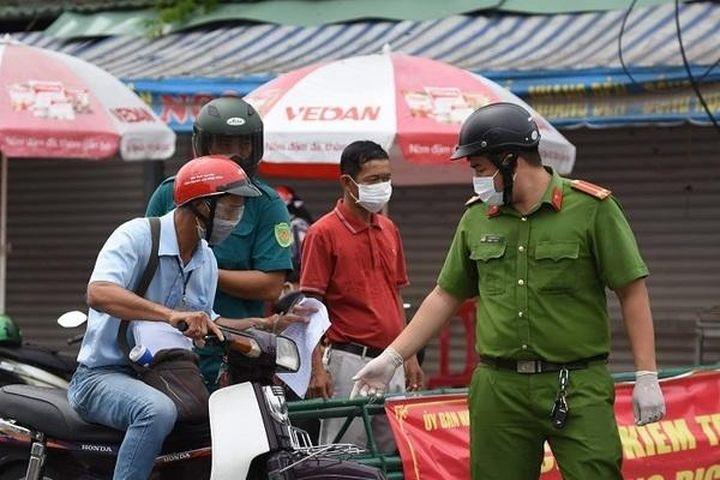 Đồng Nai bỏ giấy đi đường, tạo điều kiện cho công nhân đi lại làm việc - Báo VietnamNet