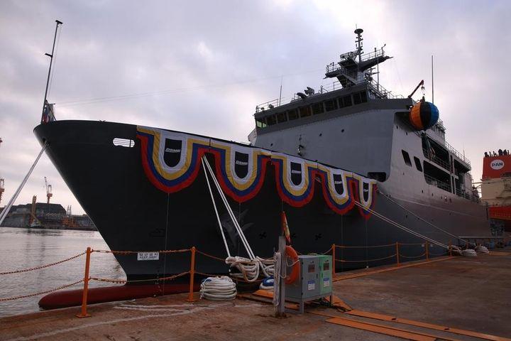 Hàn Quốc hạ thủy tàu ngầm cứu hộ thứ hai mang tên Ganghwado - Báo VietnamPlus