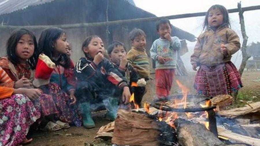 Chùm ảnh Xót xa nhìn trẻ em vùng cao chống rét - Báo Kiến Thức