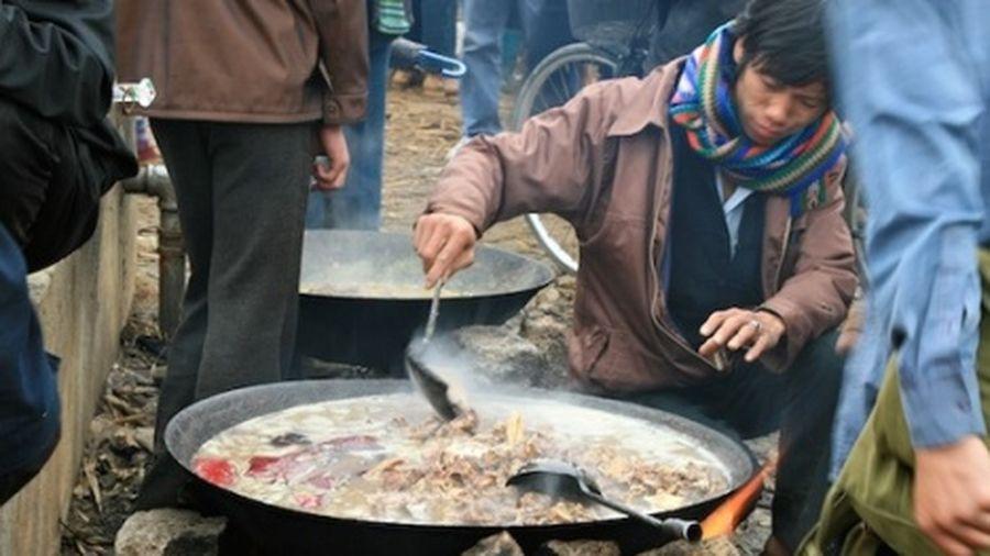 Thắng cố tại các phiên chợ vùng cao - Đại Phú An