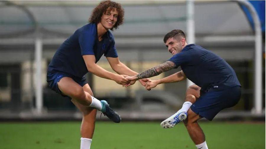 CHÙM ẢNH Cầu thủ Chelsea hào hứng tập luyện trên đất Nhật