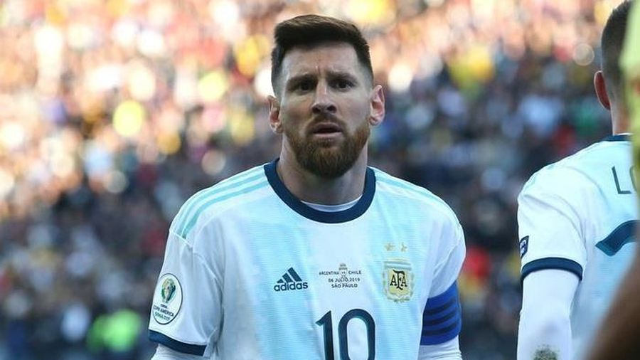 CHÍNH THỨC Messi nhận án phạt tại Copa America