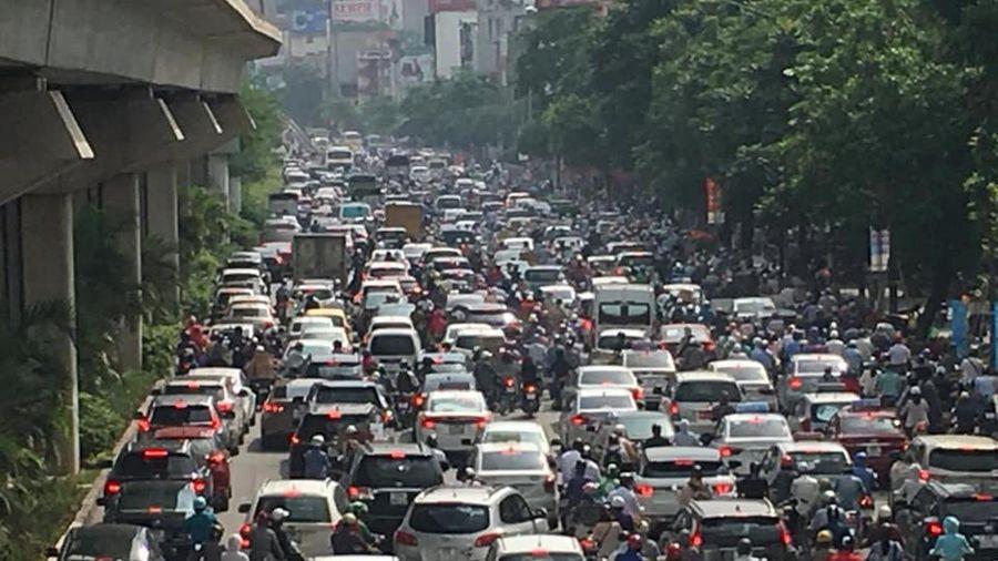 Thu phí vào khu vực đô thị trung tâm: Phải tiếp cận từ lợi ích của dân