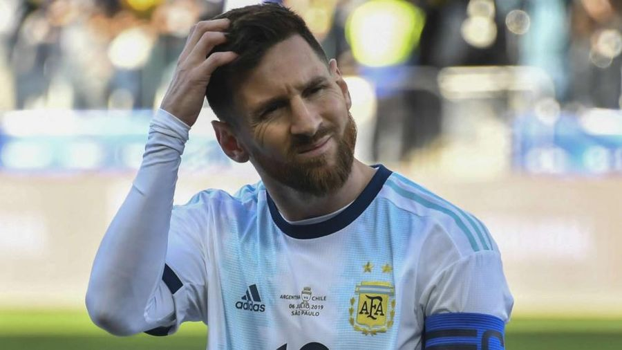 Chỉ trích LĐBĐ Nam Mỹ, Messi bị treo giò 3 tháng