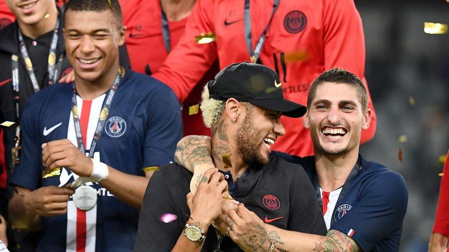 Mbappe có hành động gây sốc với Neymar