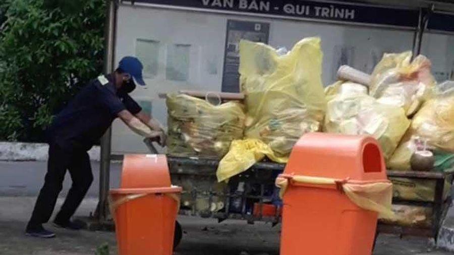 Rác thải Bệnh viện Phạm Ngọc Thạch bị… đánh cắp!