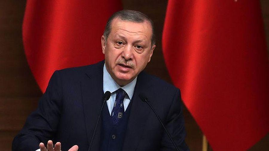 Sau thương vụ tên lửa S400, Thổ Nhĩ Kỳ bác bỏ công nhận việc thống nhất Crưm với Nga