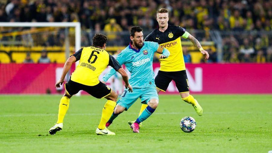 Barca hòa hú vía trên sân Dortmund
