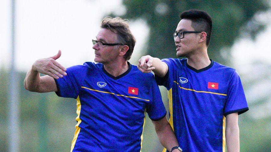 HLV Troussier làm điều chưa từng có ở tuyển U19 Việt Nam