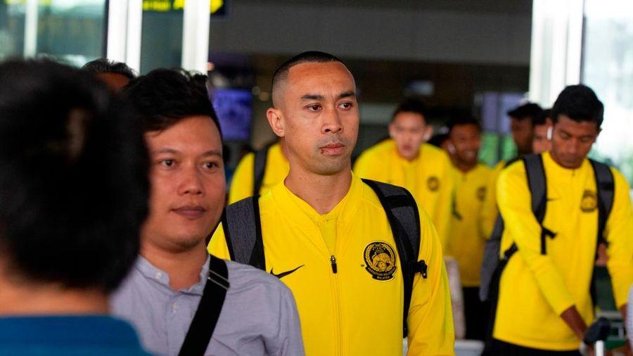 CHÙM ẢNH: ĐT Malaysia đến Hà Nội, sẵn sàng đọ sức ĐT Việt Nam