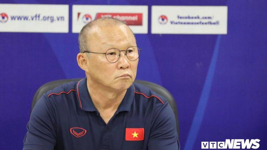 Họp báo trận Việt Nam vs Malaysia: Thầy Park tuyên bố thắng