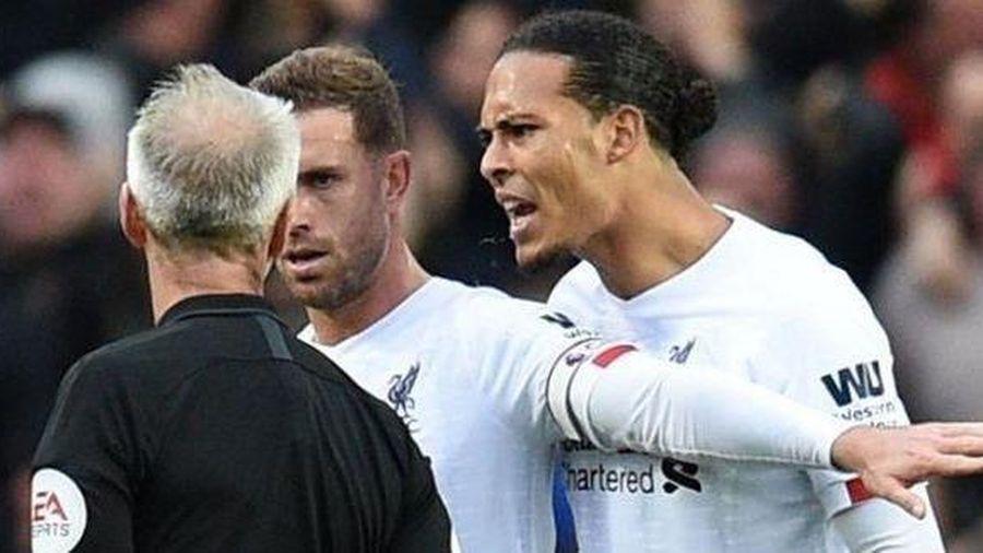 Lý do VAR không từ chối bàn thắng của Rashford trước Liverpool
