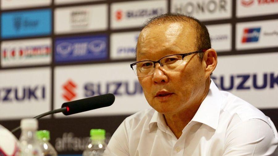 HLV Thái Lan đang khiêu khích ông Park và tuyển Việt Nam