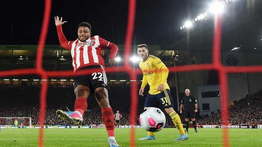 Arsenal thua đội mới lên hạng, đẩy MU xuống thứ 14 trên BXH