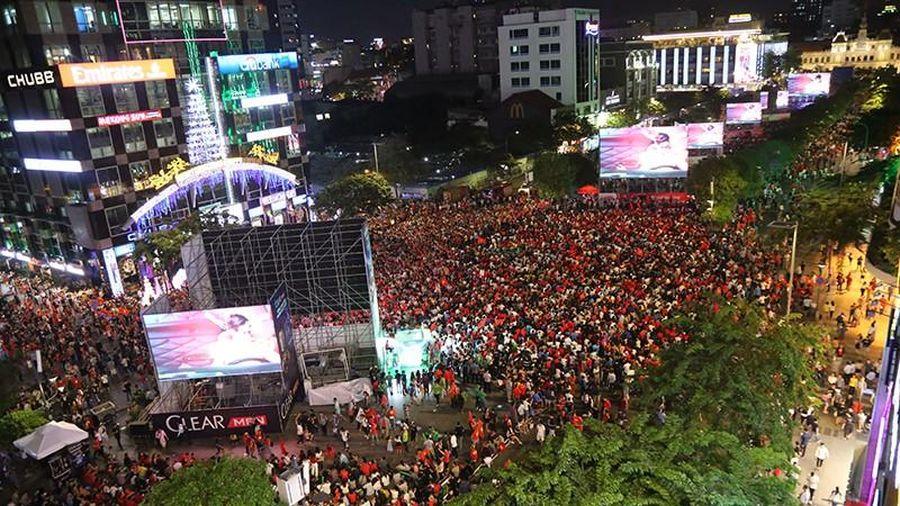 NÓNG: TP.HCM sẽ lắp màn hình lớn cho CĐV xem trận Việt Nam đấu UAE và Thái Lan