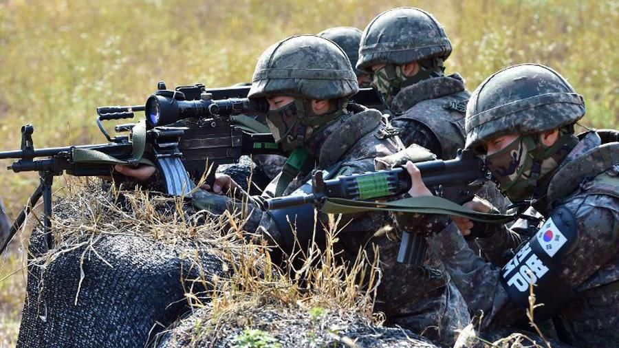 Binh sĩ Hàn Quốc trong một hoạt động gần vùng phi quân sự liên Triều (DMZ) AFP
