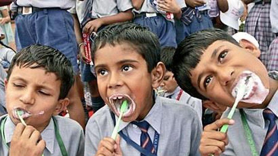26.382 học sinh Ấn Độ đánh răng cùng lúc để lập kỷ lục Guinness