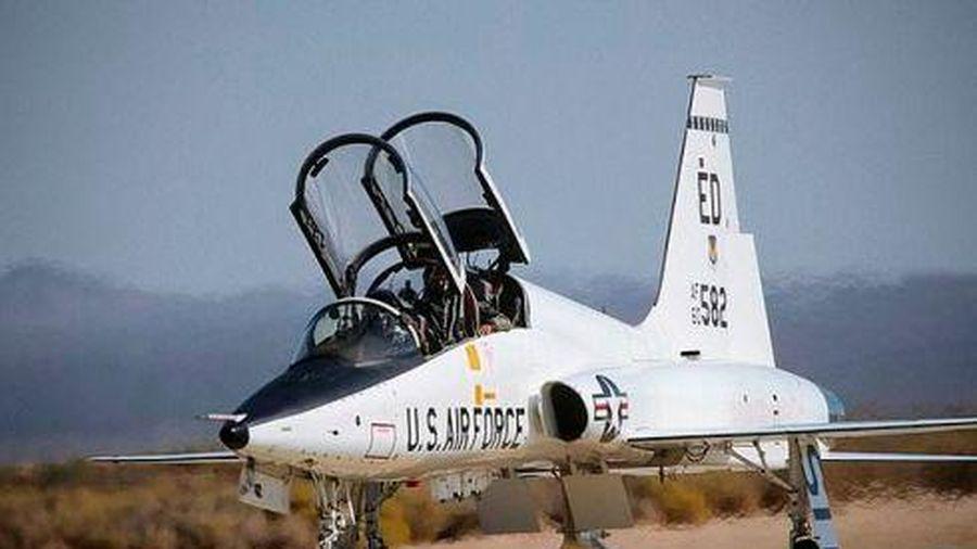Va chạm khi bay huấn luyện, 2 phi công Mỹ tử nạn