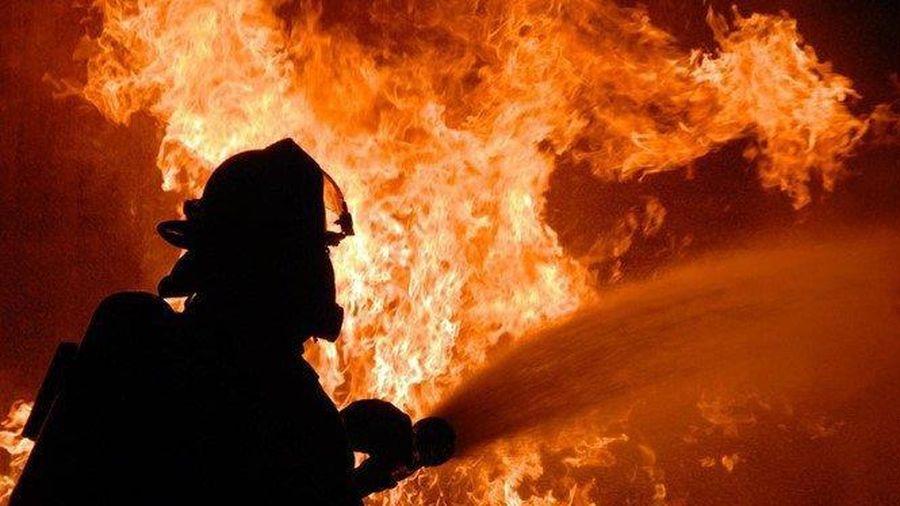 Phóng hỏa đài truyền thanh huyện để phi tang tài liệu