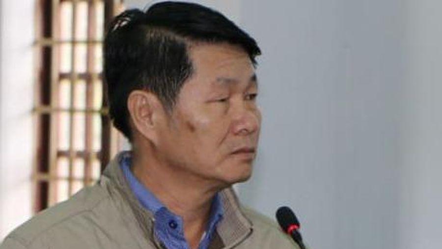 Đất lấn chiếm được cấp sổ đỏ, cựu phó chủ tịch huyện lĩnh án tù