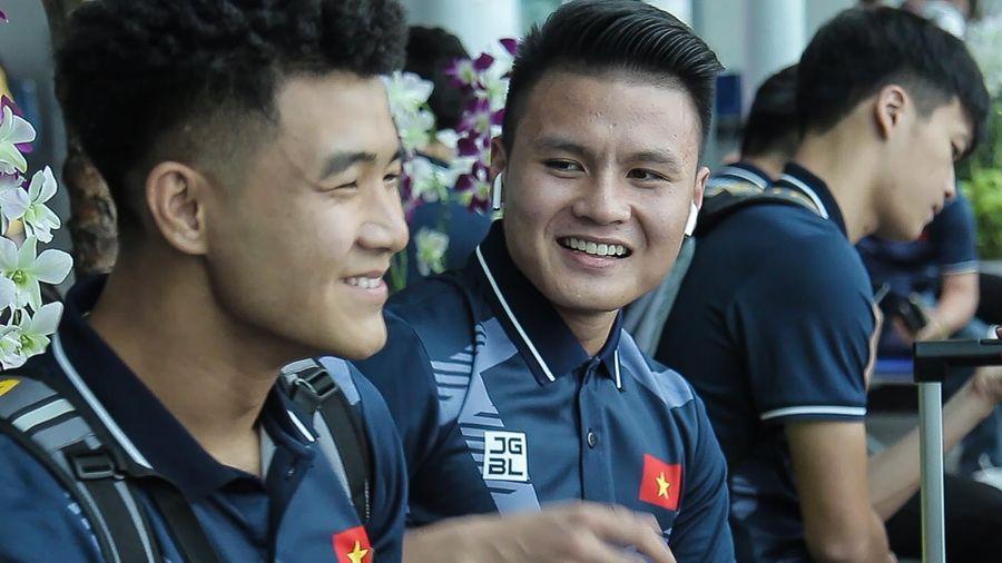 Quang Hải, Văn Hậu vui vẻ trước giờ lên đường dự SEA Games