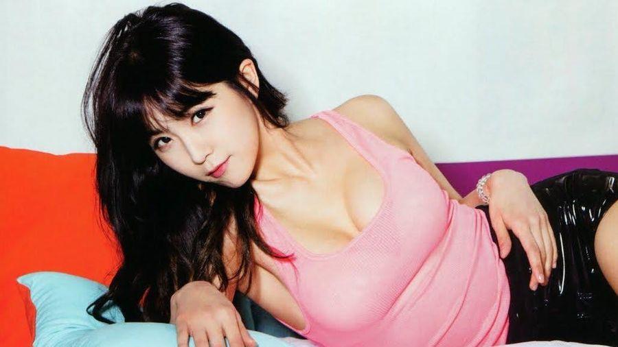 Ca sĩ Hàn bị antifan đồn nâng ngực