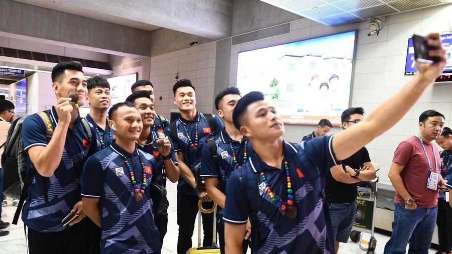 U22 Việt Nam tới Philippines, bắt đầu săn vàng SEA Games