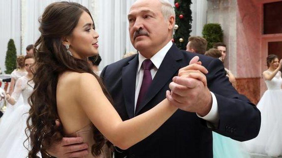 Hoa hậu kiêm 'bạn gái tin đồn' của tổng thống Belarus thành nghị sĩ