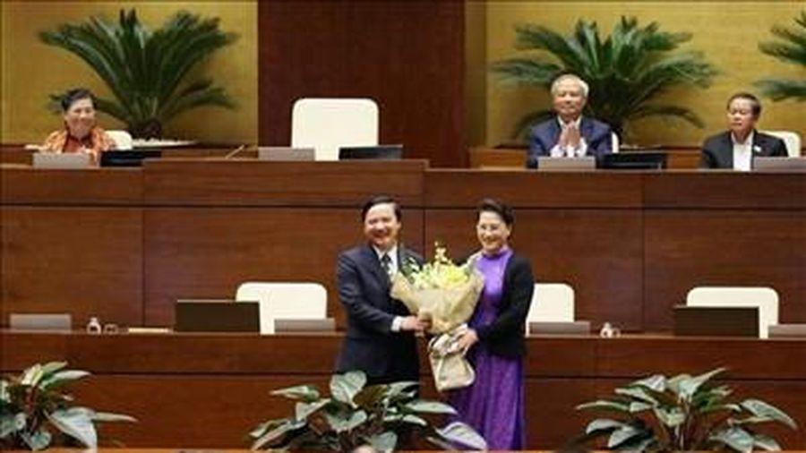 Quốc hội miễn nhiệm đồng chí Nguyễn Khắc Định và Nguyễn Thị Kim Tiến