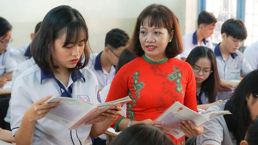 Bài 5 - Giáo viên giáo dục thường xuyên và chuyên biệt: Lặng lẽ kiếp tằm nhả tơ