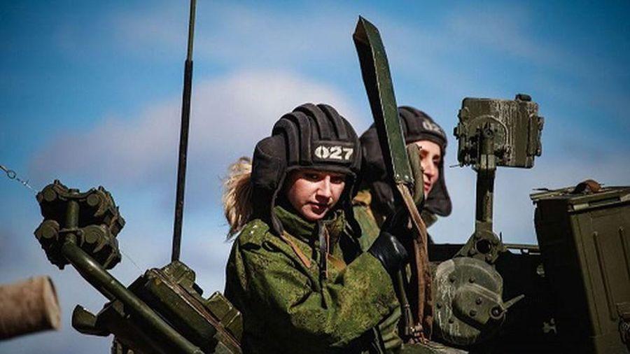 Lý do gì khiến các nữ binh sĩ Nga là lực lượng 'không thể coi thường'?
