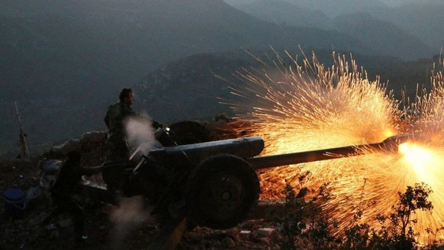 Clip quân đội Syria tấn công dữ dội phía tây Aleppo