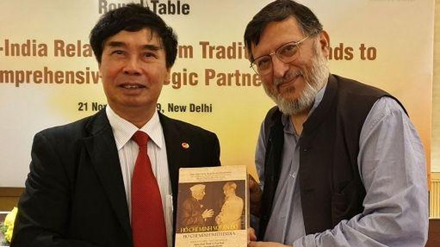 Ra mắt sách 'Hồ Chí Minh với Ấn Độ' tại New Delhi và Kolkata
