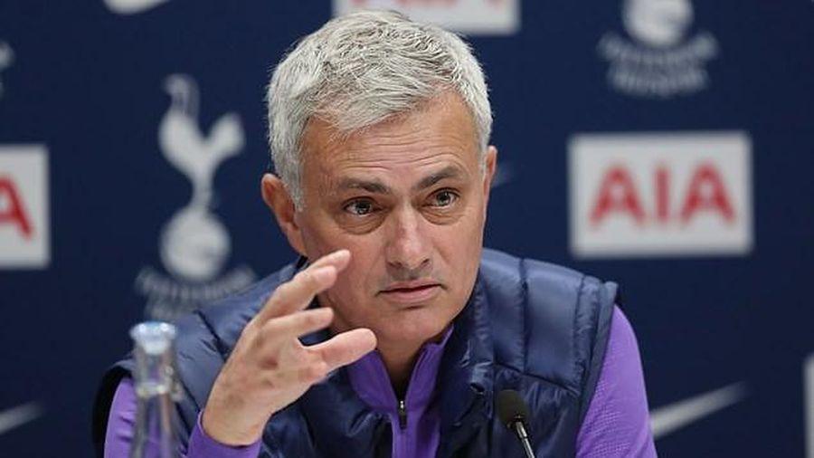 Mourinho tuyên bố sốc trong buổi họp báo đầu tiên với Tottenham