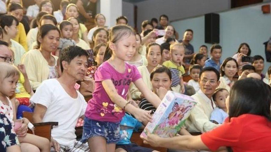 Học sinh Hà Nội tổ chức hội sách từ thiện vì bệnh nhi viện huyết học