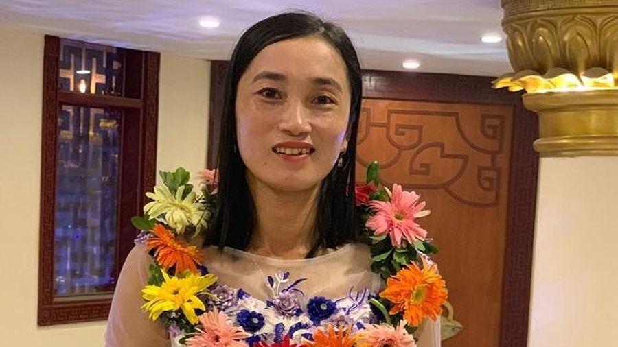 Cô giáo vùng sâu vùng xa được đồng nghiệp phong tặng 'nữ 3 giỏi'
