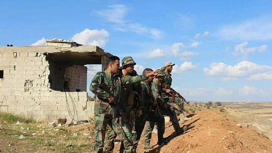Quân tiếp viện Syria tới Hama chuẩn bị cho trận đánh lớn