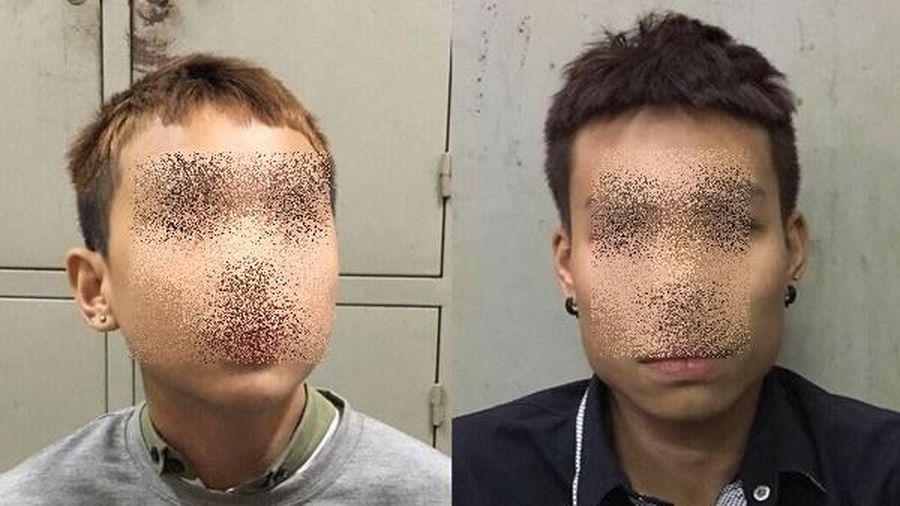 Tạm giữ 2 thiếu niên cướp xe máy trong đêm