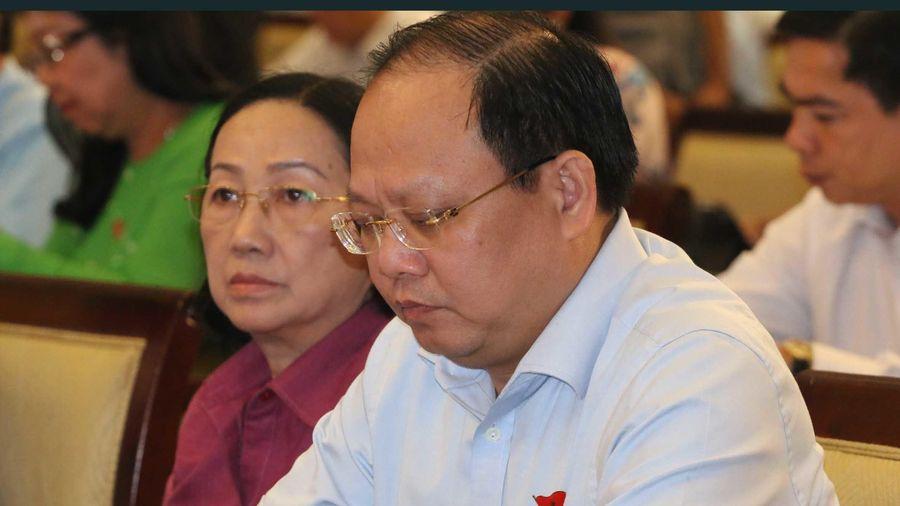 Ông Tất Thành Cang lại vắng mặt buổi tiếp xúc cử tri vì 'bận đột xuất'
