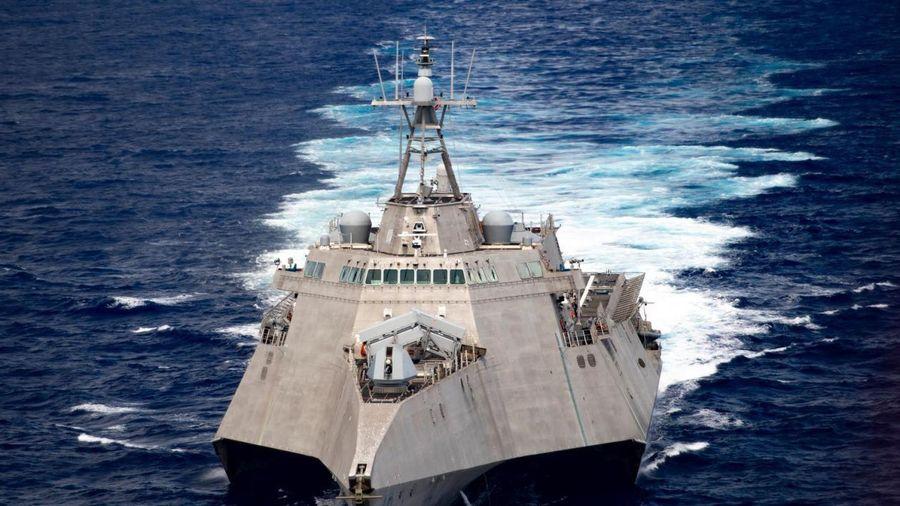 Trung Quốc nói gì khi chiến hạm Mỹ liên tiếp lại gần đảo nhân tạo ở Biển Đông?