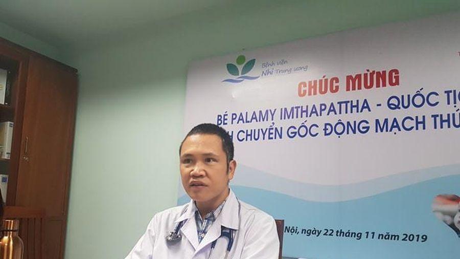 Ca cấp cứu đặc biệt bệnh nhi 8 ngày tuổi từ Lào sang Việt Nam